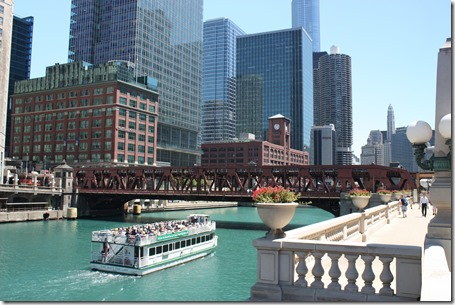 Chicago_River_Cruise_Chicago